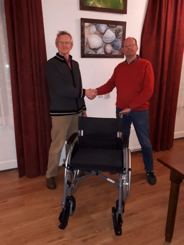 Overdracht-rolstoel-BOV-aan-Woonplus-11dec18-lowres